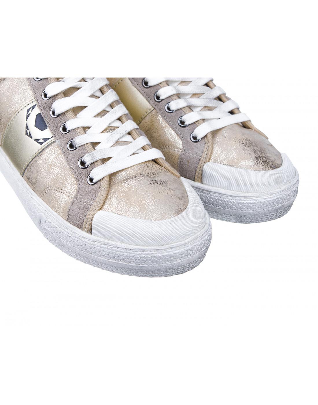 Кроссовки серебристые женские