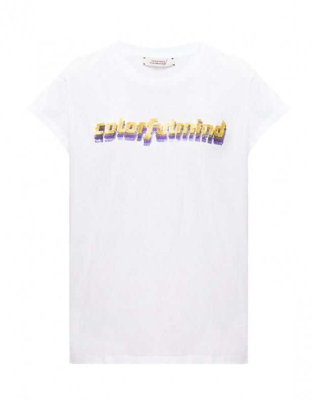 Женская белая футболка с вышивкой пайетками
