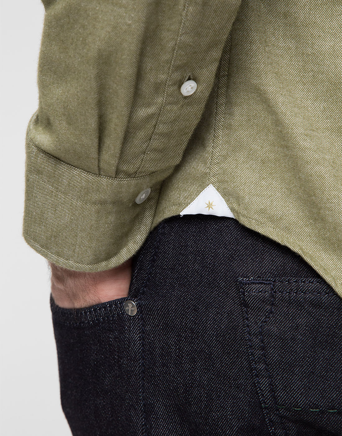 Мужская рубашка оливкового цвета Bagutta S08408.060-6